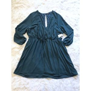 NWT Charlotte Russe Plus Size Keyhole Wrap Dress